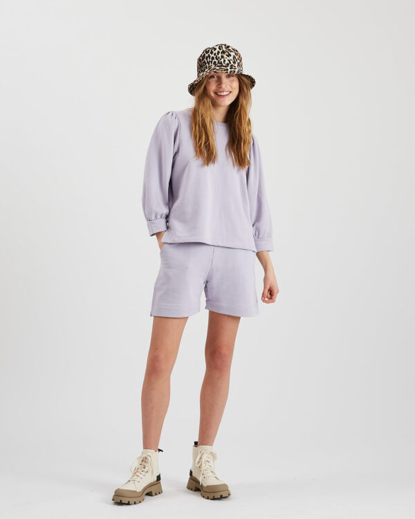 sweat shorts, lavendel, moves